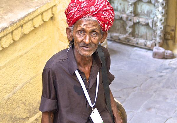 un monde de voyages Inde homme